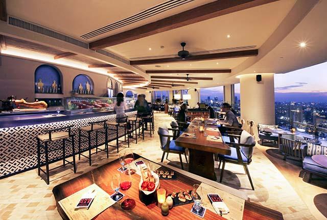 UNO MAS restaurant